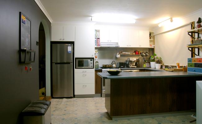 black kitchen wall 3