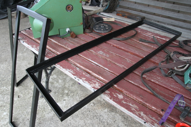 Welded shelf inner
